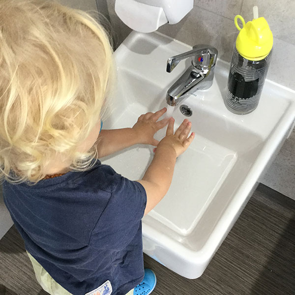 wash-hands-toddler