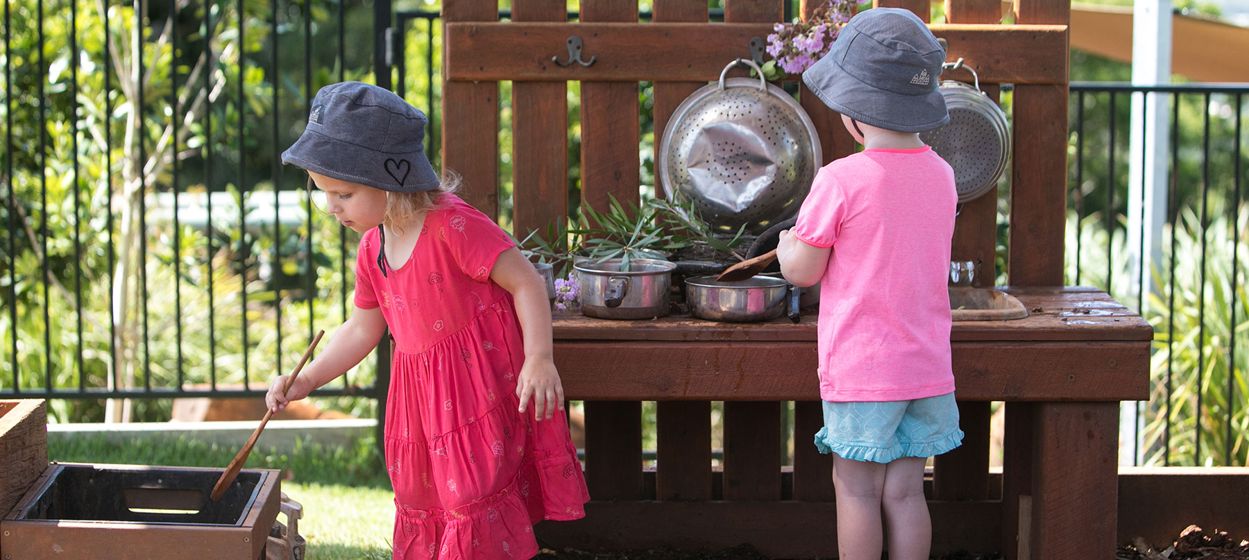 mud kitchen girls